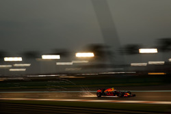Funken: Max Verstappen, Red Bull Racing RB12