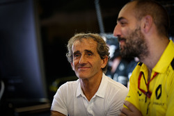 Alain Prost with Cyril Abiteboul, Renault Sport F1 Managing Director
