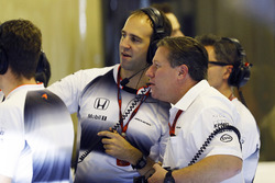 Zak Brown and Tom Stallard, McLaren in the garage