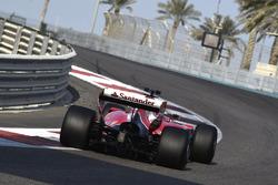 Kimi Raikkonen, Ferrari, prova gli pneumatici Pirelli 2017