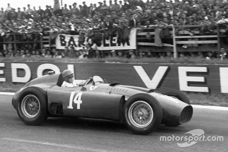 1956-1957: Lancia-Ferrari D50 (пять побед)