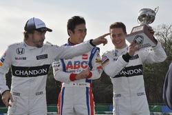Takuma Sato, Fernando Alonso y Stoffel Vandoorne