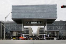 Daniel Ricciardo, Red Bull Racing passes the ExxonMobil headquarters