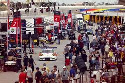 #54 CORE Autosport, Porsche 911 GT3R: Jon Bennett, Colin Braun, Nic Jönsson, Patrick Long