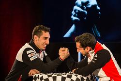 Armdrücken: Sébastien Buemi, Toyota Racing; Neel Jani, Porsche Team