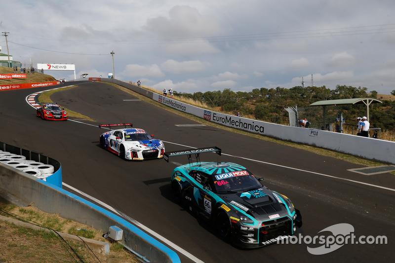 #66 Wall Racing, Nissan GT-R: Brett Hodges, Erik Davis, Fred Poordad