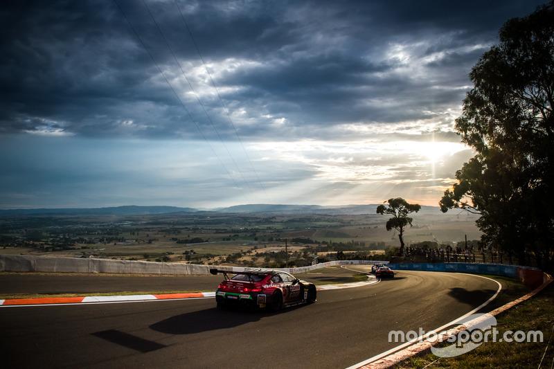 #7 SRM, BMW M6 GT3: Tony Longhurst, Mark Skaife, Russell Ingall, Timo Glock