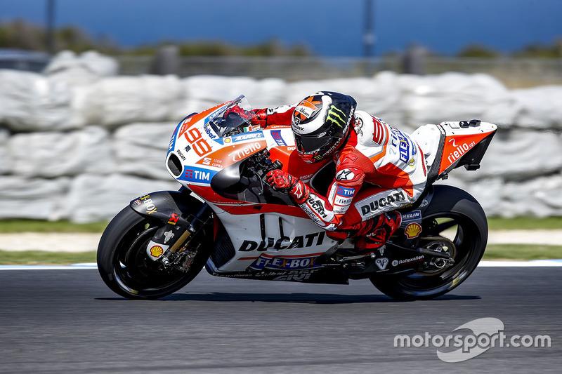 8º Jorge Lorenzo (Ducati) 1:29.342, a 0.793s