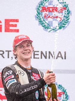 MRF Challenge şampiyonu Harrison Newey
