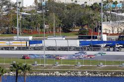 Блейк Кох, Chevrolet, Брендан Гоэн, Richard Childress Racing Chevrolet, Райан Рид, Roush Fenway Racing Ford и Брэд Кеселовски, Team Penske Ford crash