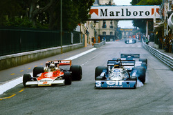 Jochen Mass, McLaren M23 Ford, Ronnie Peterson, Tyrrell P34 Ford ve Mario Andretti, Lotus 78 Ford