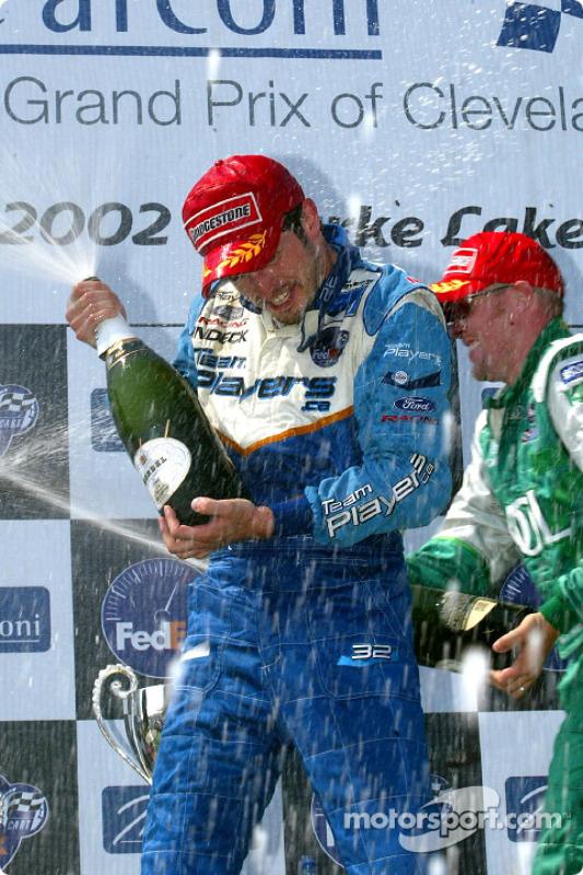Champagne pour Patrick Carpentier