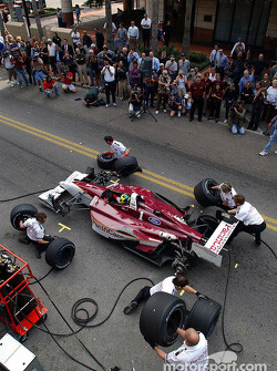 Pitstop demonstration with Bruno Junqueira and Newman/Haas Racing