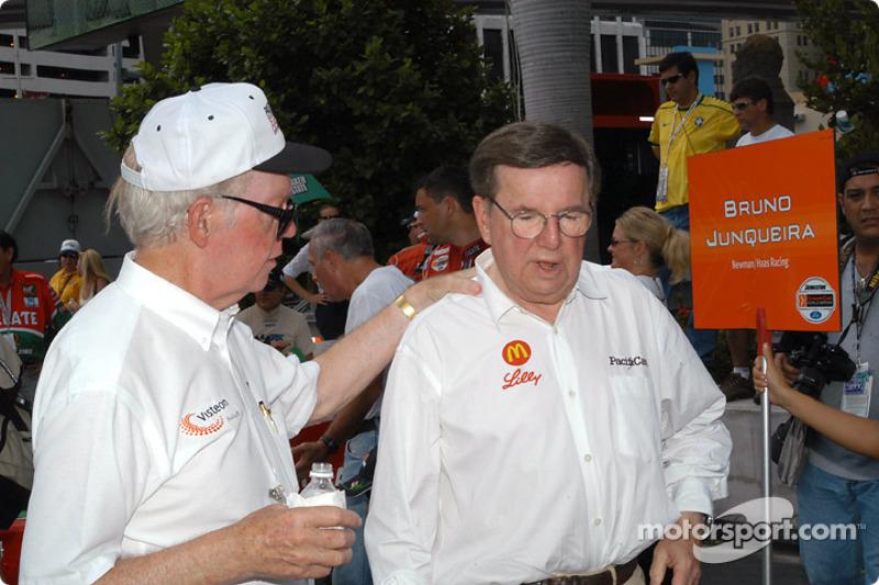 Pat Patrick Y Carl Haas
