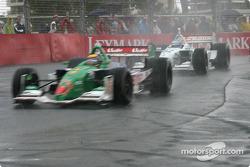 Rain starts: Roberto Moreno
