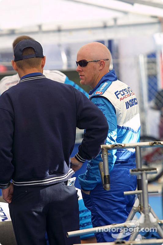 Paul Tracy dans le paddock Forsythe Championship Racing