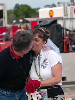 Rob and Maria get married on pitlane