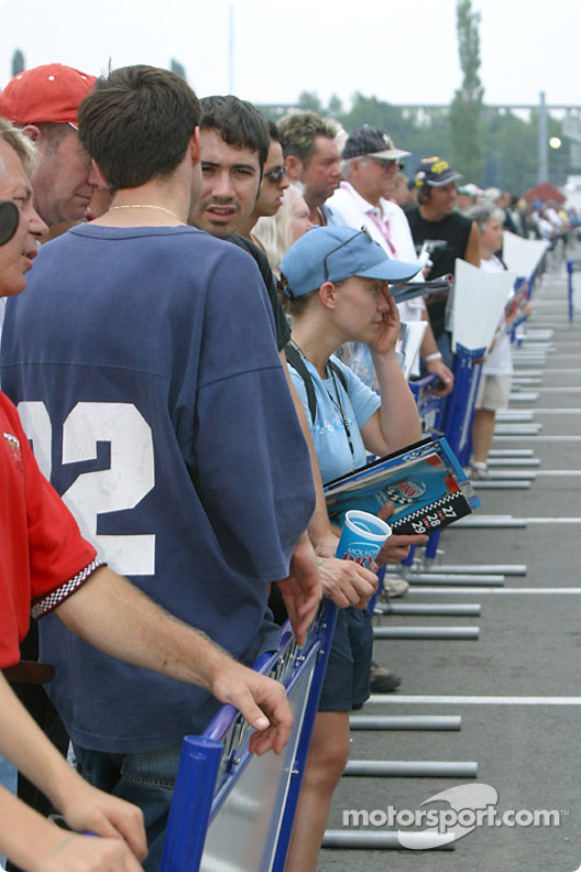Les fans attendent Alex Tagliani