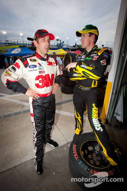 Greg Biffle, Roush Fenway Racing Ford and Carl Edwards, Roush Fenway Racing Ford