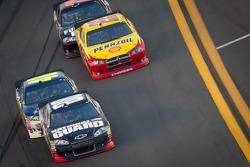 Dale Earnhardt Jr., Hendrick Motorsports Chevrolet, Jimmie Johnson, Hendrick Motorsports Chevrolet, Kurt Busch, Penske Racing Dodge