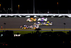 Kasey Kahne, Red Bull Racing Team Toyota leads the field