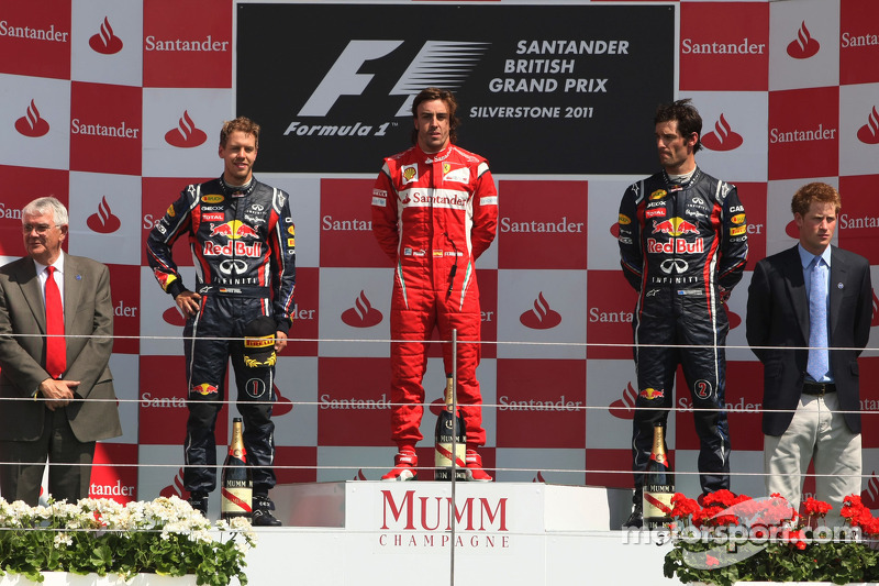 Подіум: 1. Фернандо Алонсо, Ferrari. 2. Себастьян Феттель, Red Bull - Renault. 3. Марк Веббер, Red B