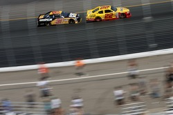 Jeff Burton, Richard Childress Racing Chevrolet and Kurt Busch, Penske Racing Dodge