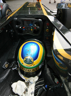 Bruno Senna's crash helmet