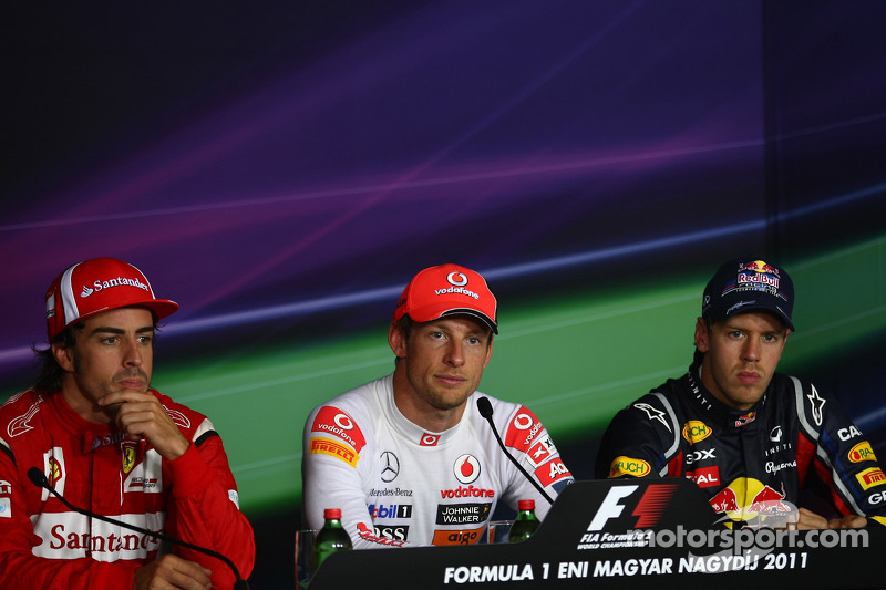 Press conference: race winner Jenson Button, McLaren Mercedes, second place Sebastian Vettel, Red Bull Racing, third place Fernando Alonso, Scuderia Ferrari
