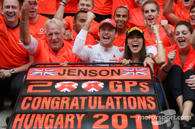 John Button Father of Jenson, Nicholas Hamilton, Brother of Lewis Hamilton, McLaren Mercedes, Lewis Hamilton, McLaren Mercedes, Jenson Button, McLaren Mercedes, Jessica Michibata girlfriend of Jenson Button celebrate with the team