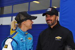 Yvan Muller, Chevrolet Cruz 1.6T, Chevrolet and his wife Justine