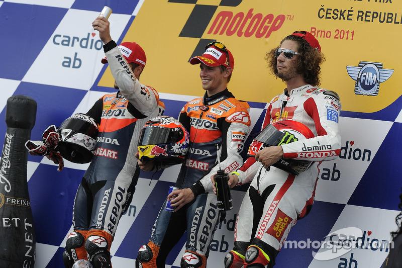 Podio: 1º Casey Stoner, 2º Andrea Dovizioso, 3º Marco Simoncelli