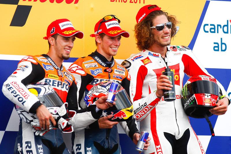 Podio: ganador de la carrera Casey Stoner, del equipo Repsol Honda, segundo lugar Andrea Dovizioso, del equipo Repsol Honda, tercer lugar Marco Simoncelli's San Carlo Honda Gresini