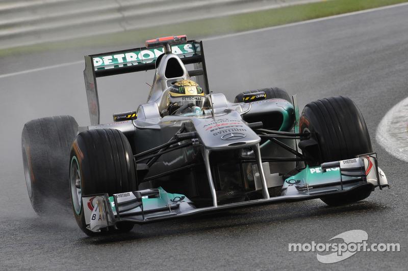 2011 год: Mercedes