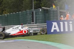 Lewis Hamilton, McLaren Mercedes crashes