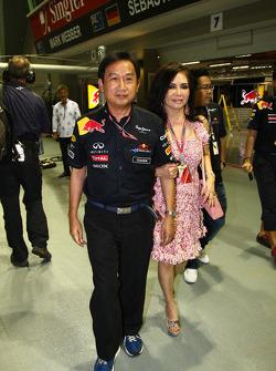 Chaleo Yoovidhya, 49% Owner of Red Bull