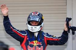 El autor de la pole position Sebastian Vettel, Red Bull Racing