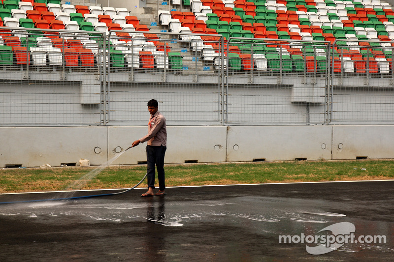 A man washes the track