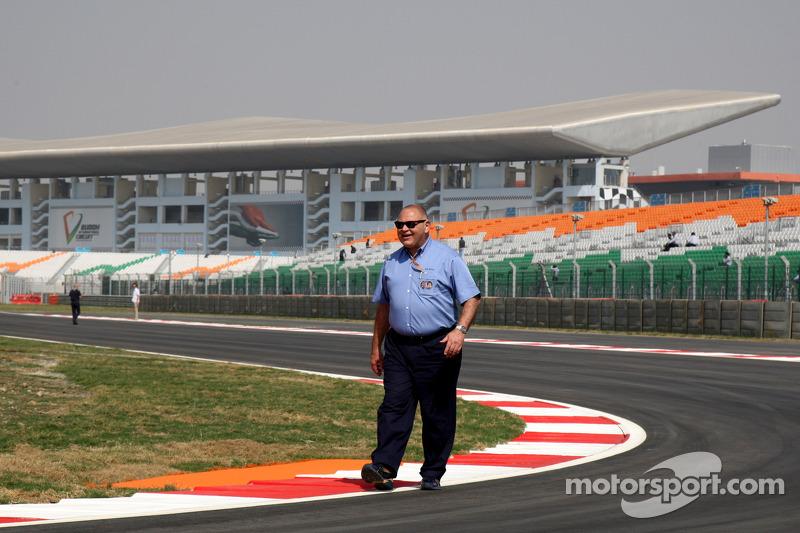 Pat Behar, FIA, Photographers Delegate walks the track