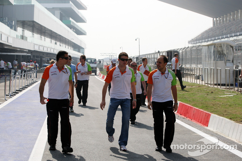 Paul di Resta, Force India F1 Team walks the track