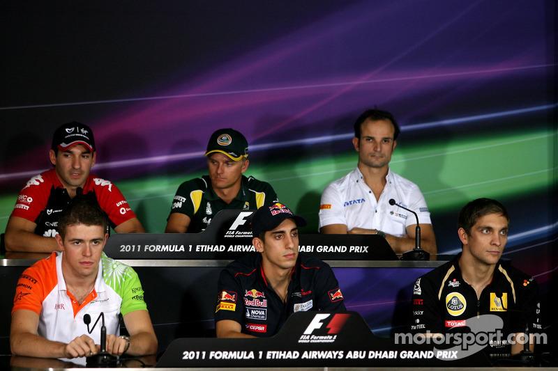 Timo Glock, Virgin Racing, Heikki Kovalainen, Team Lotus, Vitantonio Liuzzi, HRT F1 Team, Paul di Re