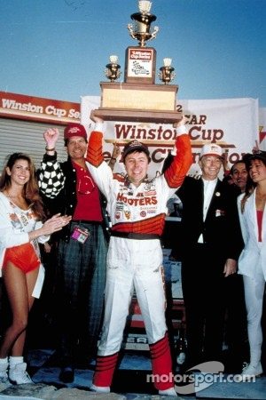 Alan Kulwicki wins the 1992 Winston Cup championship