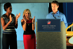 Carl Edwards, Roush Fenway Racing Ford with Dr. Jill Biden and First Lady Michelle Obama speak with military families on behalf of 'Joining Forces'