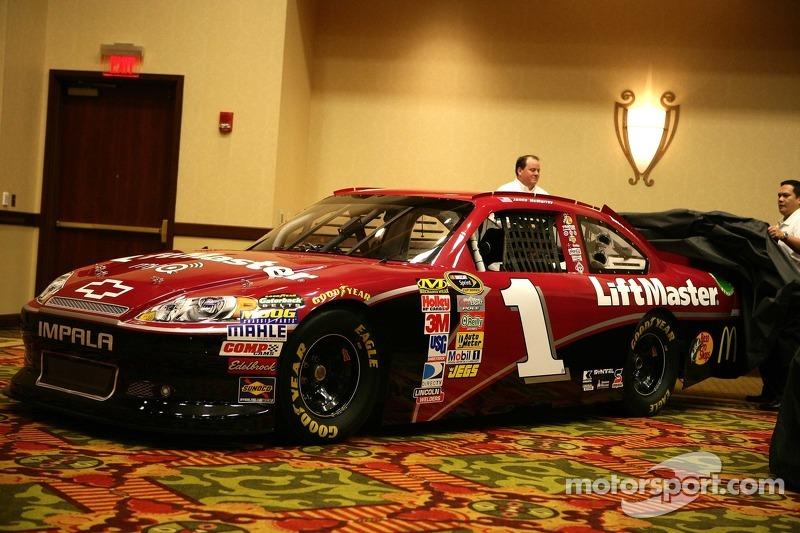 Car of Jamie McMurray, Earnhardt Ganassi Racing Chevrolet