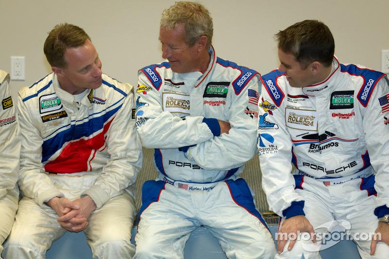 Rolex 24 At Daytona Champions fotoshoot: David Donohue, Hurley Haywood en Andrew Davis