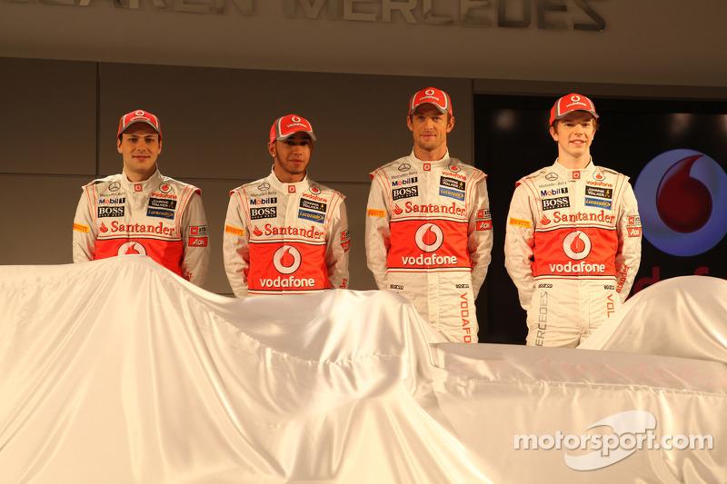 Gary Paffett, McLaren Mercedes, Jenson Button, McLaren Mercedes en Oliver Turvey