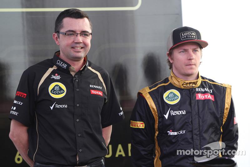 Eric Boullier, Team Principal, Lotus Renault F1 Team met Kimi Raikkonen, Lotus Renault F1 Team