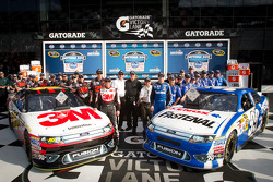 Front row for the Daytona 500: pole winner Carl Edwards, Roush Fenway Racing Ford with second place Greg Biffle, Roush Fenway Racing Ford