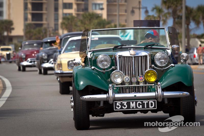 """""""Living legends of auto racing street parade"""""""