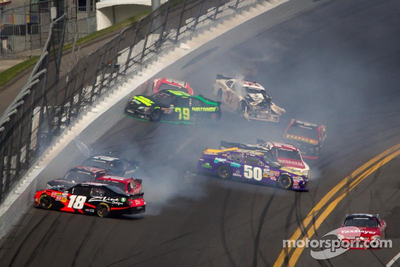 Justin Allgaier, Turner Motorsports Chevrolet, Kenny Wallace, RAB Racing Toyota, Mike Wallace, JD Mo